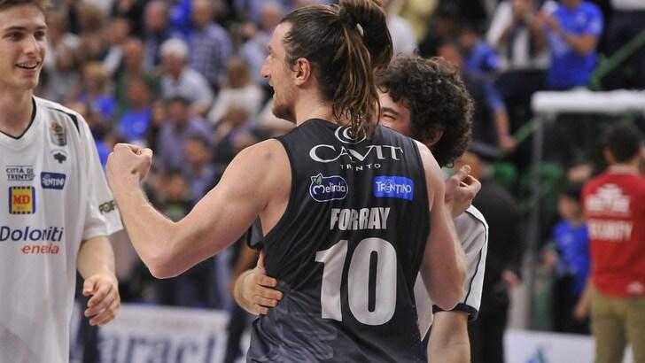 Basket Serie A,Trento va in semifinale. Milano si porta sul 2-1