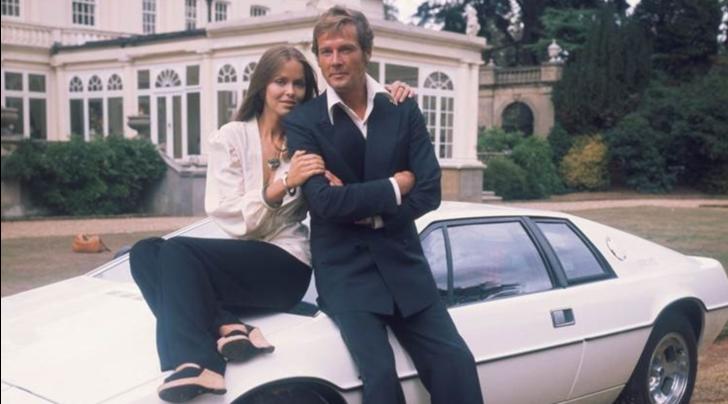 Addio a Roger Moore, un mito anche in auto