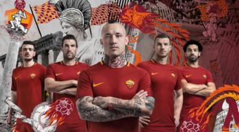 Roma, la nuova maglia già contro il Genoa: sarà l'ultima di Totti