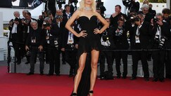 Karolina Kurkova, spacco sexy a Cannes