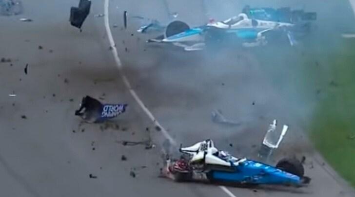 Indy 500: terribile incidente tra Dixon e Howard, Alonso si ritira
