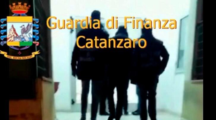 Arrestato il presidente del Catanzaro Calcio, milioni nascosti in Svizzera