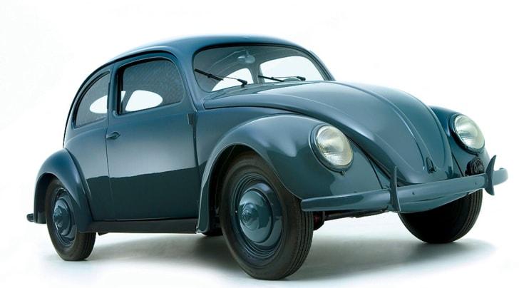 Volkswagen festeggia 80 anni, dal Beetle al futuro elettrico