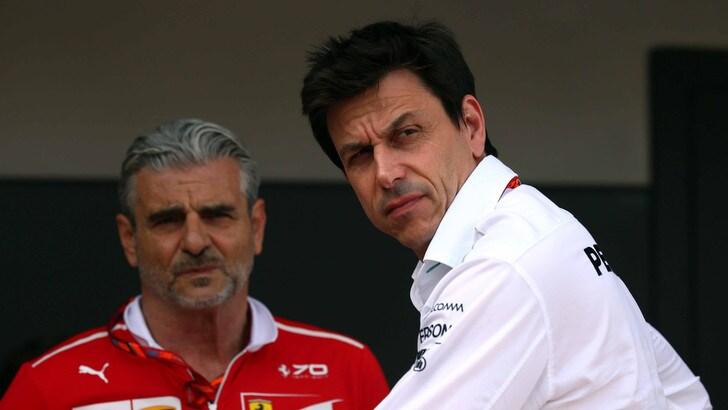 F1, Wolff: «Hamilton alla Ferrari? Le chiacchiere non mi interessano»
