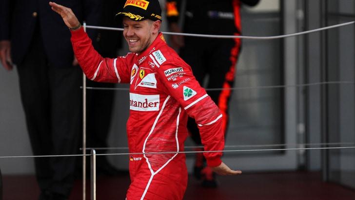 F1, Vettel: «Gioco a calcio per regalare sorrisi»