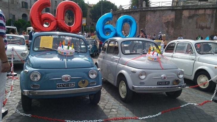 Un raduno storico per festeggiare i 60 anni della Fiat 500
