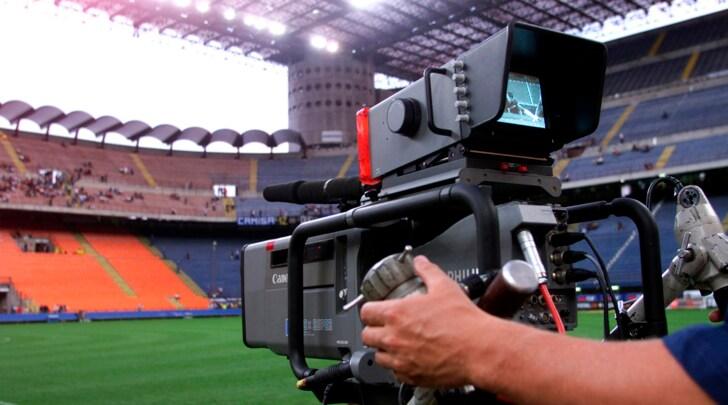 Diritti Tv, Serie A 2018-2021: offerte basse, Tavecchio: «Nuovo bando». Furia Ferrero