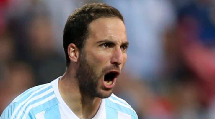 Argentina, per Higuain niente test con il Singapore: può tornare a casa