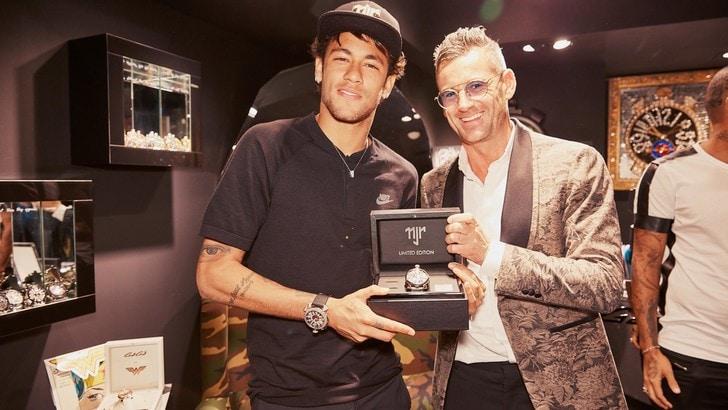 GaGà dedica a Neymar Jr. una capsule collection limited edition
