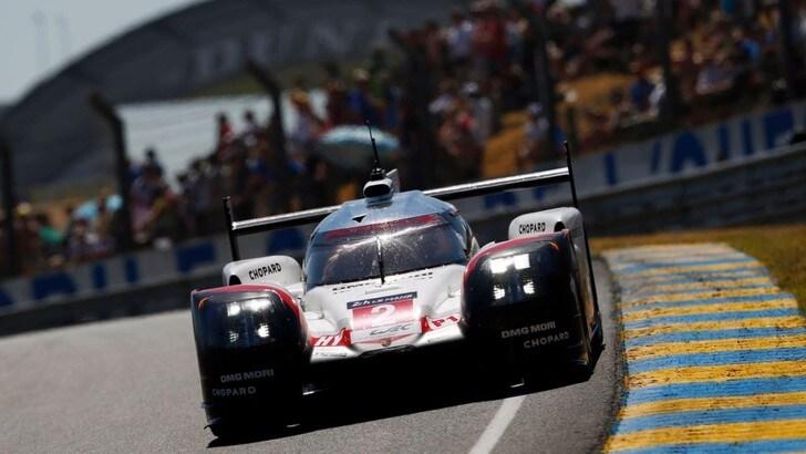 24 Ore di Le Mans, Porsche regina tra i colpi di scena