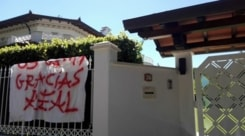 Striscione sotto casa di Buffon: «Gracias Real»