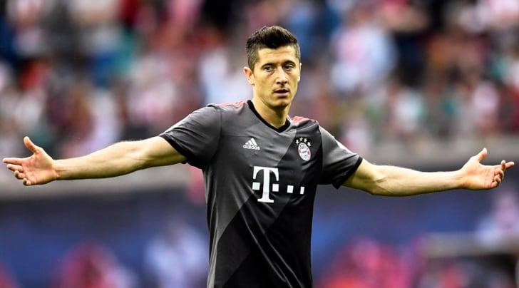 Calciomercato, l'agente di Lewandowski: «Robert è deluso al Bayern»