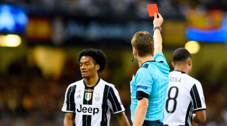 """Due big su Cuadrado: Juventus pronta a """"sacrificarlo"""" per Bernardeschi"""