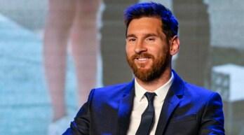 Messi compie 30 anni, il Barcellona lo celebra