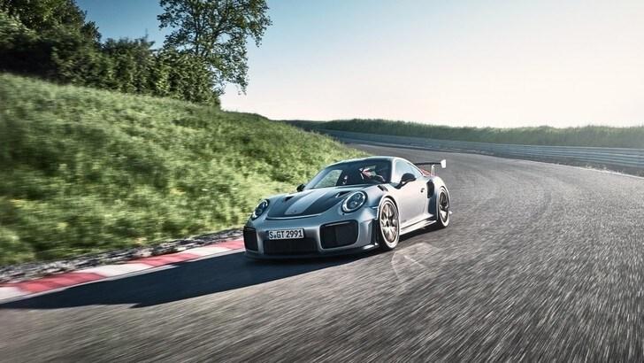 Porsche 911 GT2 RS, il mostro definitivo
