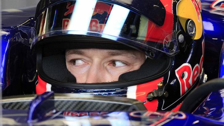 F1, Villeneuve: «Kvyat dovrebbe restare a casa per qualche Gp»
