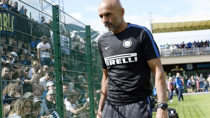 Inter, sfottò Schalke 04 su Twitter: