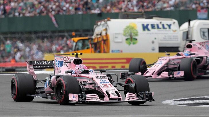F1 Force India, Ocon: «Perez, più attenzione nei duelli in pista»
