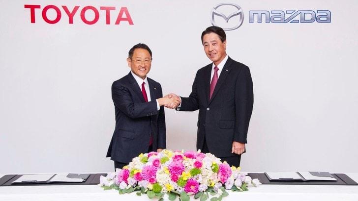 Alleanza tra Toyota e Mazda per sviluppo nuove tecnologie