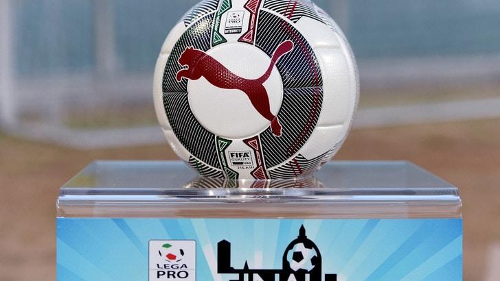 Serie C, Rende ripescato: girone con 19 squadre