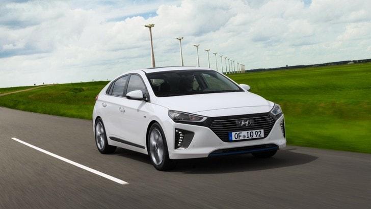 Hyundai Ioniq Hybrid, il futuro è dietro l'angolo: la prova