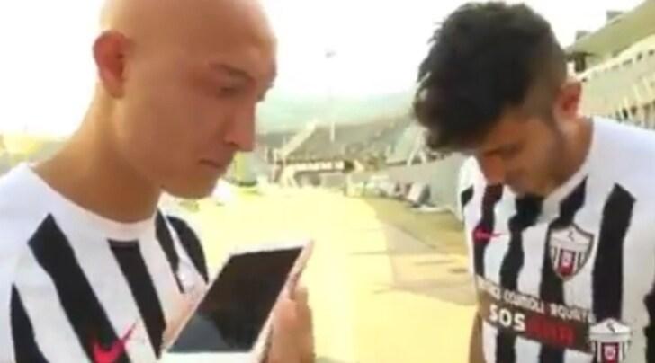 L'Ascoli chiama i tifosi al telefono: «Abbonatevi!»