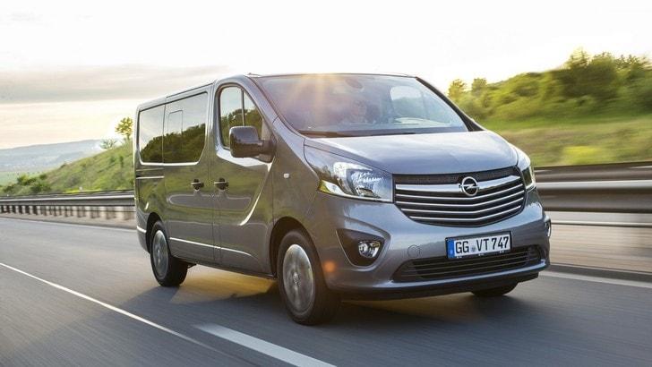 Opel Vivaro, arrivano le versioni Combi+ e Tourer