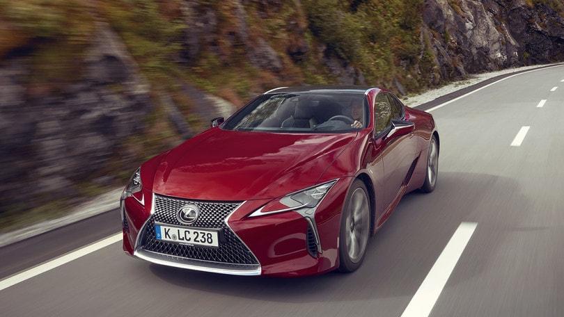 Lexus LC500 Hybrid, sportività non convenzionale: prova su strada