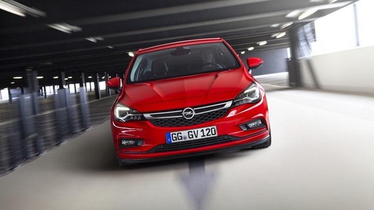 Opel Astra, debutta la motorizzazione a metano