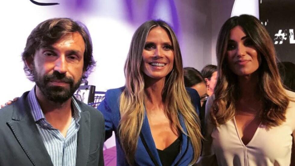 <p>&quot;Il maestro&quot; ospite alla NY Fashion Week per il lancio della collezione della top model e Lidl (Fonte Instagram)</p>