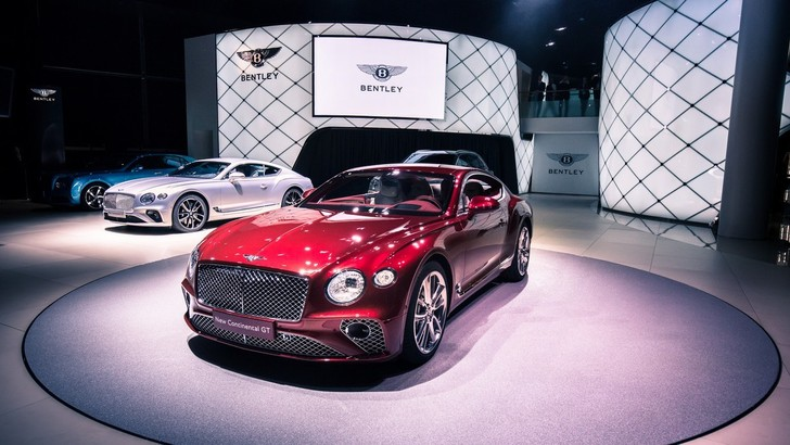 Bentley, la Continental GT live da Francoforte