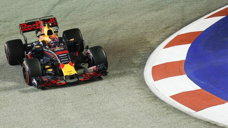 F1, Gp Singapore: Verstappen più veloce, poi Vettel