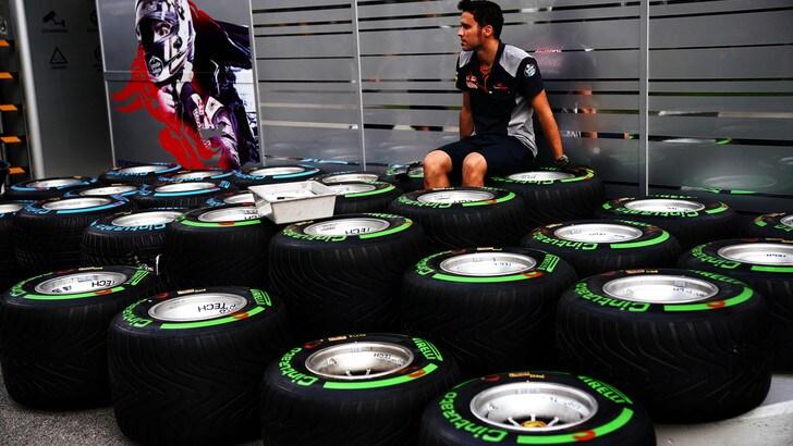 F1 Gp Singapore, Pirelli: «Alta probabilità di safety car, squadre dovranno essere flessibili»