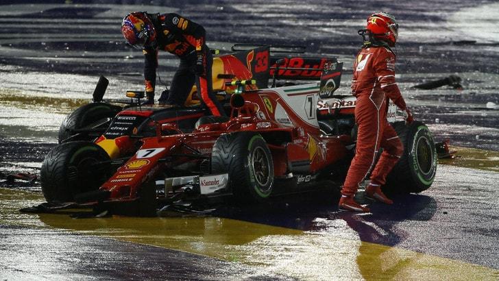 F1 Gp Singapore, Verstappen: «Sono contento che si sono ritirati anche loro»