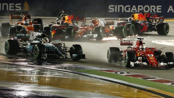 F1 Gp Singapore, Vettel: «Ho cercato di chiudere Verstappen e ho sentito la botta»