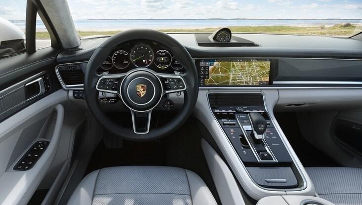 Porsche Panamera Turbo Sport Turismo E-Hybrid, immagini