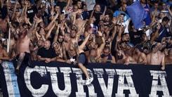 Napoli, 30 tifosi del Feyenoord con un biglietto: vietato ingresso allo stadio