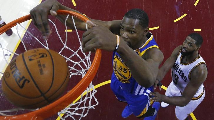 Nba, miglior giocatore: è sfida Westbrook-Durant