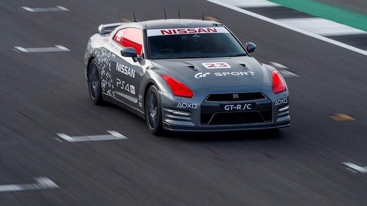 Nissan GT-R/C la supercar che si guida col telecomando