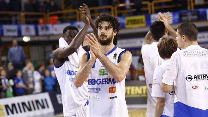 Basket Serie A, Brescia vince il derby e resta a punteggio pieno