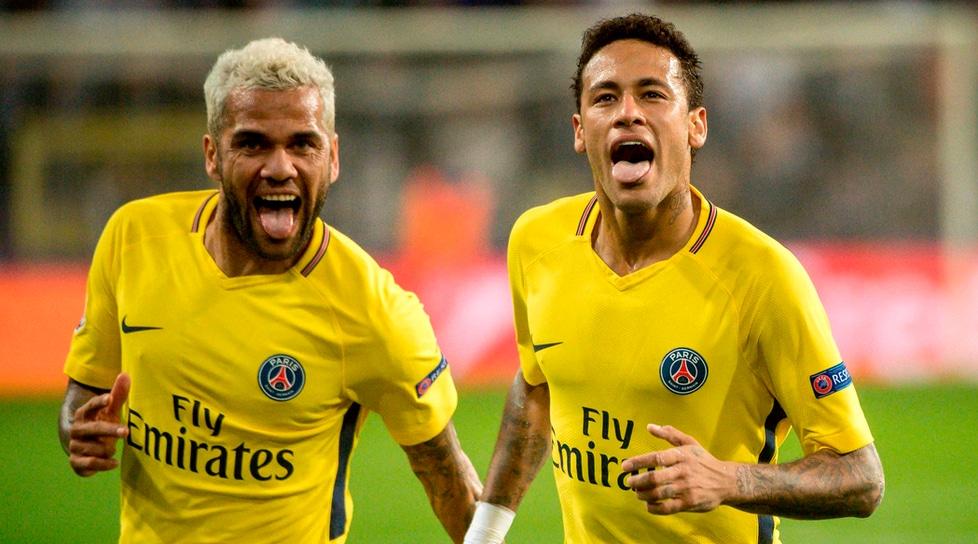 Solo Neymar nel Psg può ricorrere alle cure di due fisioterapisti privati che si occupano dei suoi muscoli. Un caso simile era accaduto con Ibrahimovic ma in quel caso il fisioterapista era uno e seguiva anche altri calciatori