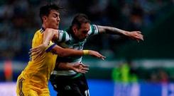 Juventus, Dybala ancora nervoso: stavolta volano i parastinchi