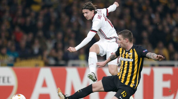 Europa League, Aek Atene-Milan 0-0: palo di Montolivo e tanta noia