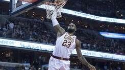 Mostruoso LeBron: 57 punti e Wizards al tappeto
