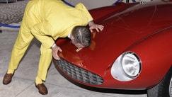 Lapo Elkann, il vestito è giallo ma bacia la Rossa