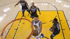 Curry doma Minnesota, Irving trascina i Celtics