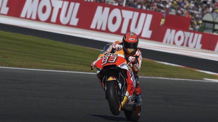 MotoGP, Valencia: Dovizioso si ritira, Marquez è campione