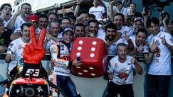 Marquez, sesto trionfo! La festa pazza con un dado gigante