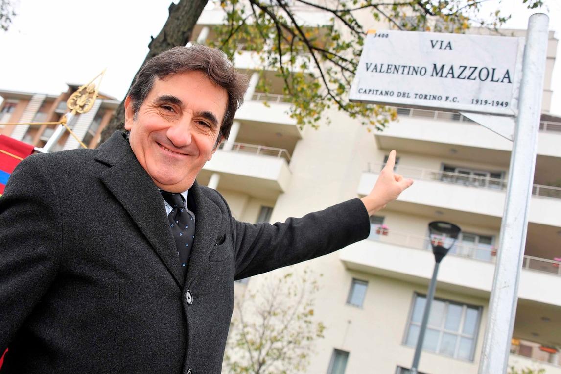Urbano Cairo all'inaugurazione della Via Valentino Mazzola a Milano