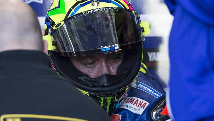 MotoGp, test a Valencia: volo per Rossi, moto distrutta